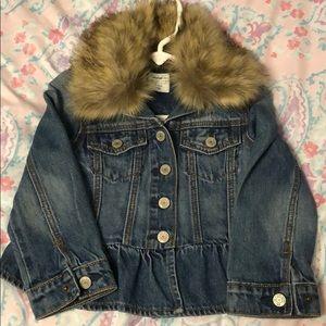 GAP denim jacket with faux fur collar sz 3T